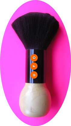 MU1484 Hair & Beauty Brand Neck Dusting Brush with Lacquered Wood handle