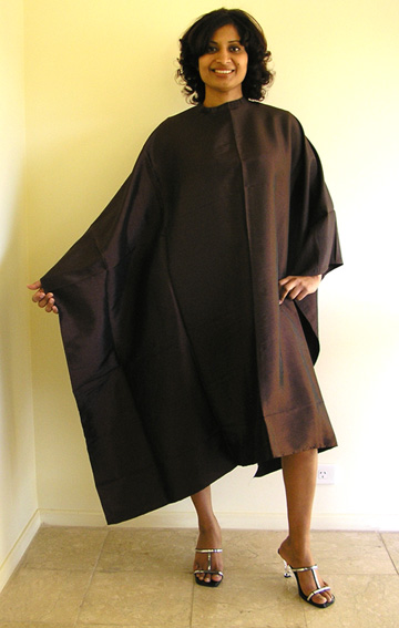 Impresso- Micro-fibre Woven 100% Water Repellent Hairdressing Cape with Studs-Chocolate