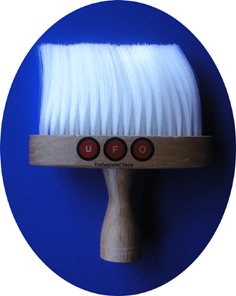 UFO Professional Neck Brush with Silky Fibres