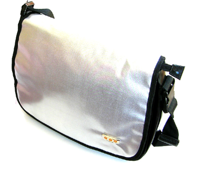 UFO Pro Soft Tool Carry Case-Ideal for Beauticians or Hairdressers-in Silver/Black combination only-Comes with Shoulder Strap ~36x30cm