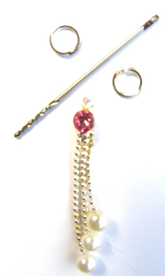 Nail Dangle - Dark Pink Diamante with Pearly Strings
