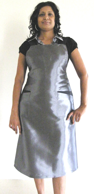 Classic Club Design 010105 Apron-Silver/Grey-45% Nylon and 55% Polyester