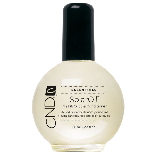 CND SolarOil® is a conditioning treatment that penetrates deeply and quickly, softening cuticles and promoting strong, flexible natural nails and nail enhancements. Its natural blend of Jojoba Oil, Sweet Almond Oil and Vitamin E creates a light, penetrat